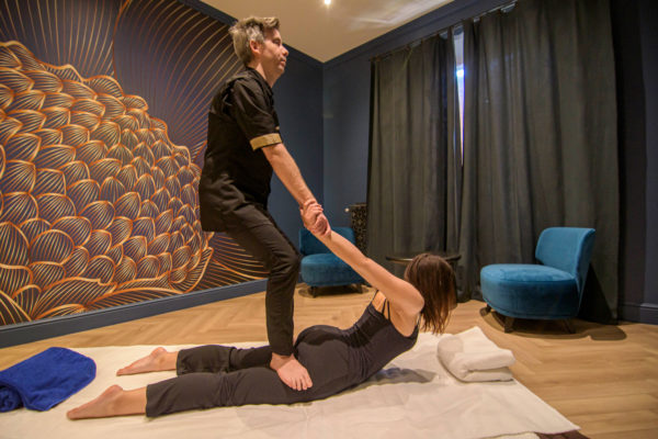 Massage au sol relaxant thaïlandais shiatsu 90 minutes