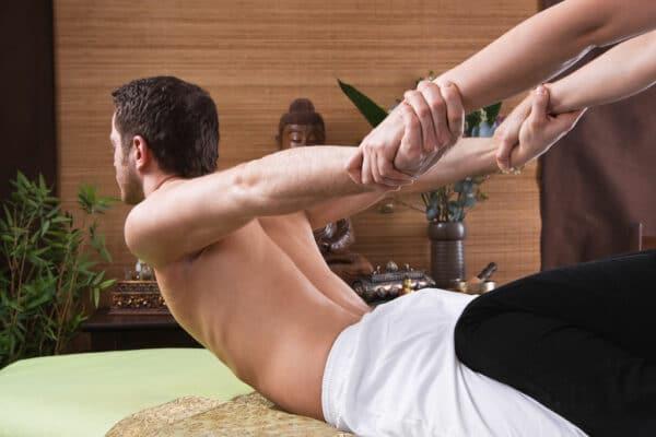 Massage au sol relaxant thaïlandais shiatsu 30 minutes
