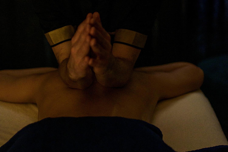 Massage L'Instant Black Wellness